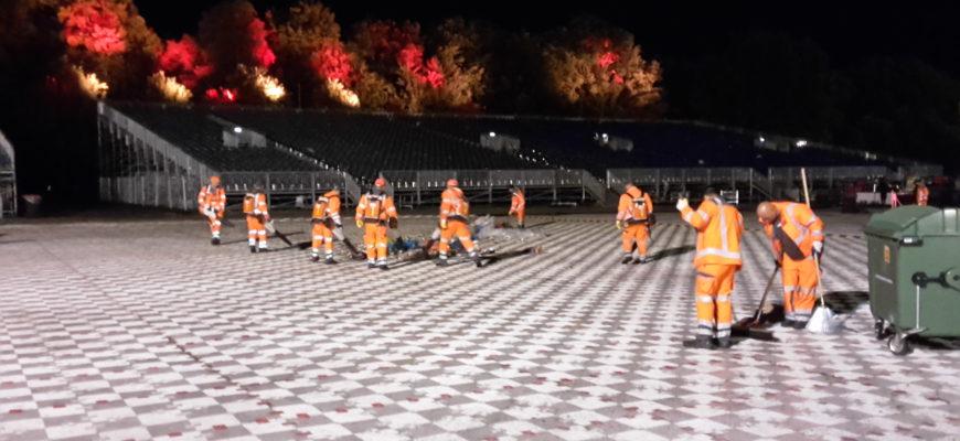HEG Mitarbeiter bei der Reinigung öffentlicher Flächen